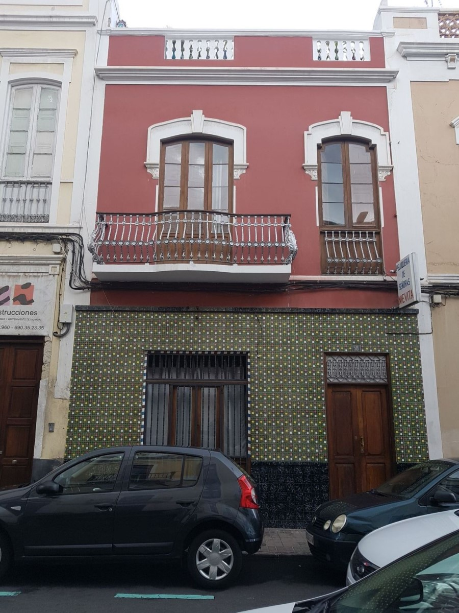 Terraced House  For Sale in Centro, Palmas de Gran Canaria, Las