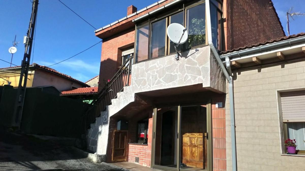 Chalet Adosado en Venta en Este, Gijón