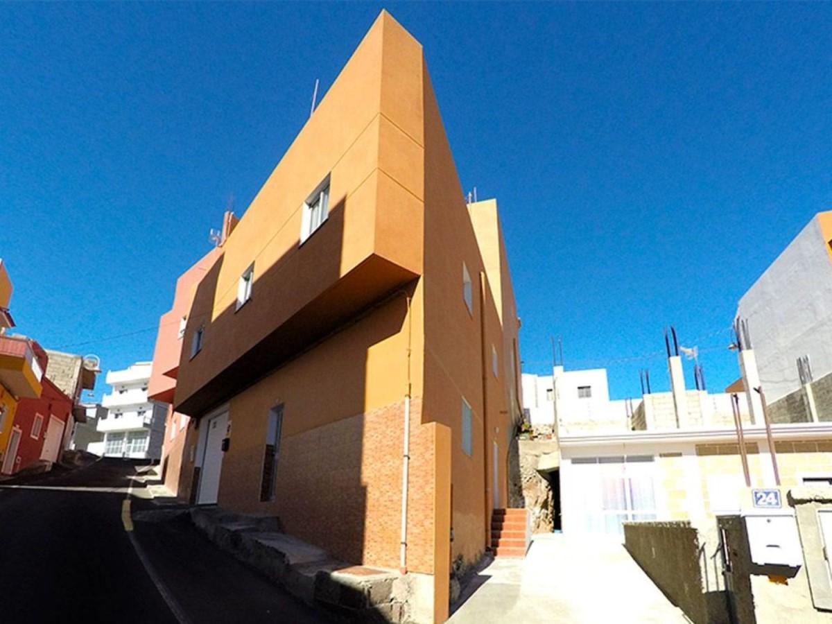Edificio de Viviendas en Venta en  Arico