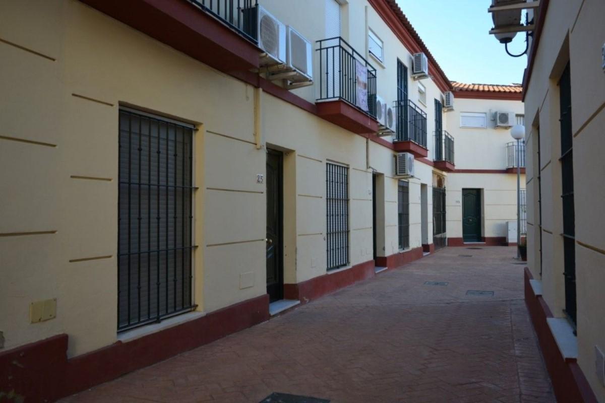Chalet Adosado en Venta en  Sanlúcar la Mayor