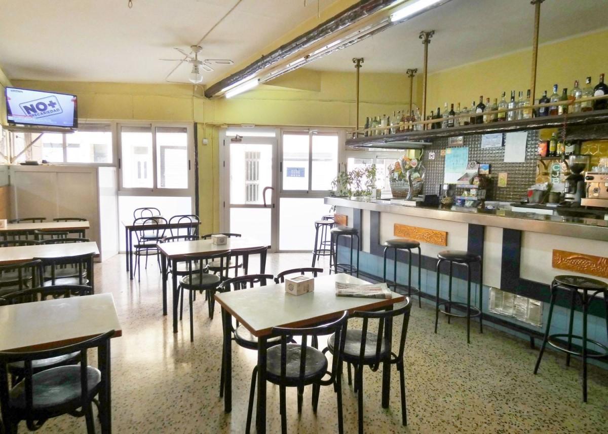 Local Comercial en Venta en  Badalona