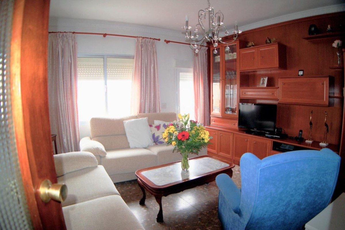 Apartment  For Sale in  Aranjuez