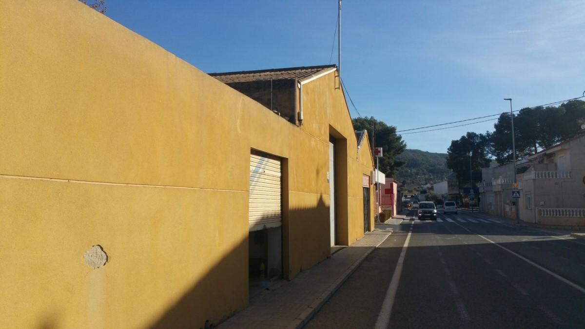 Local Comercial en Venta en  Pinoso