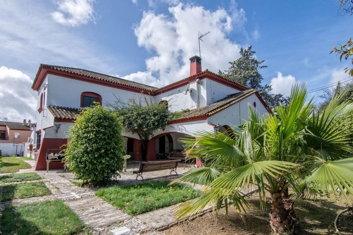 Casa Rural en Venta en  Gines