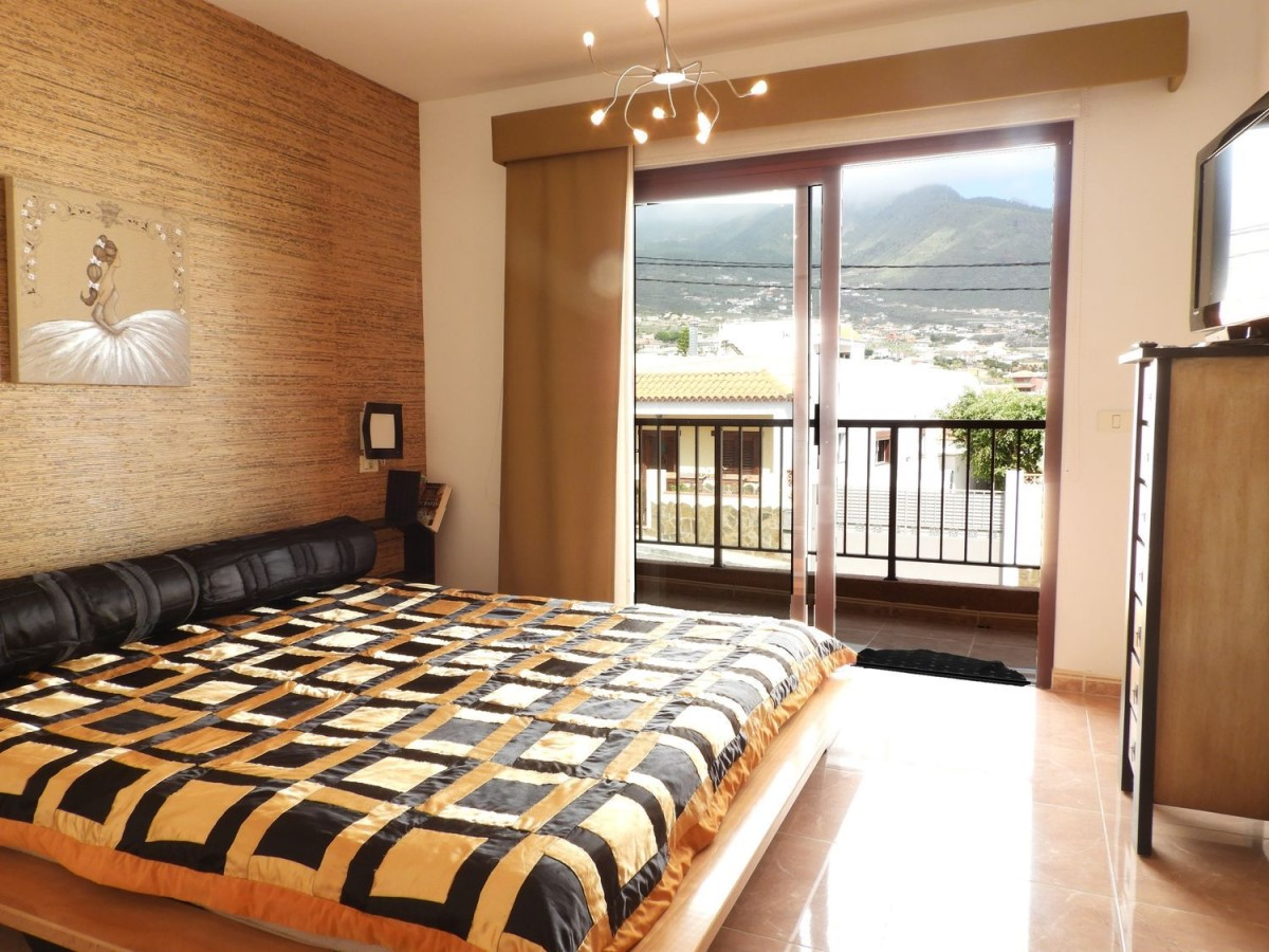 Terraced House  For Sale in  Candelaria