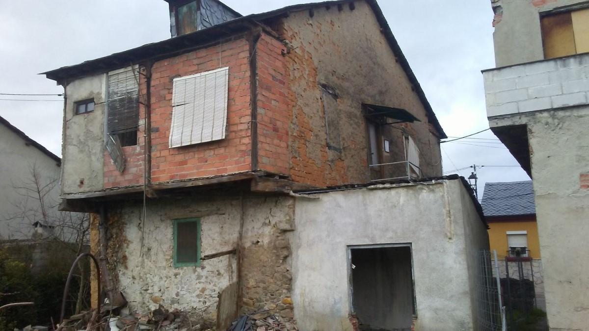 Casa Rural en Venta en  Cacabelos