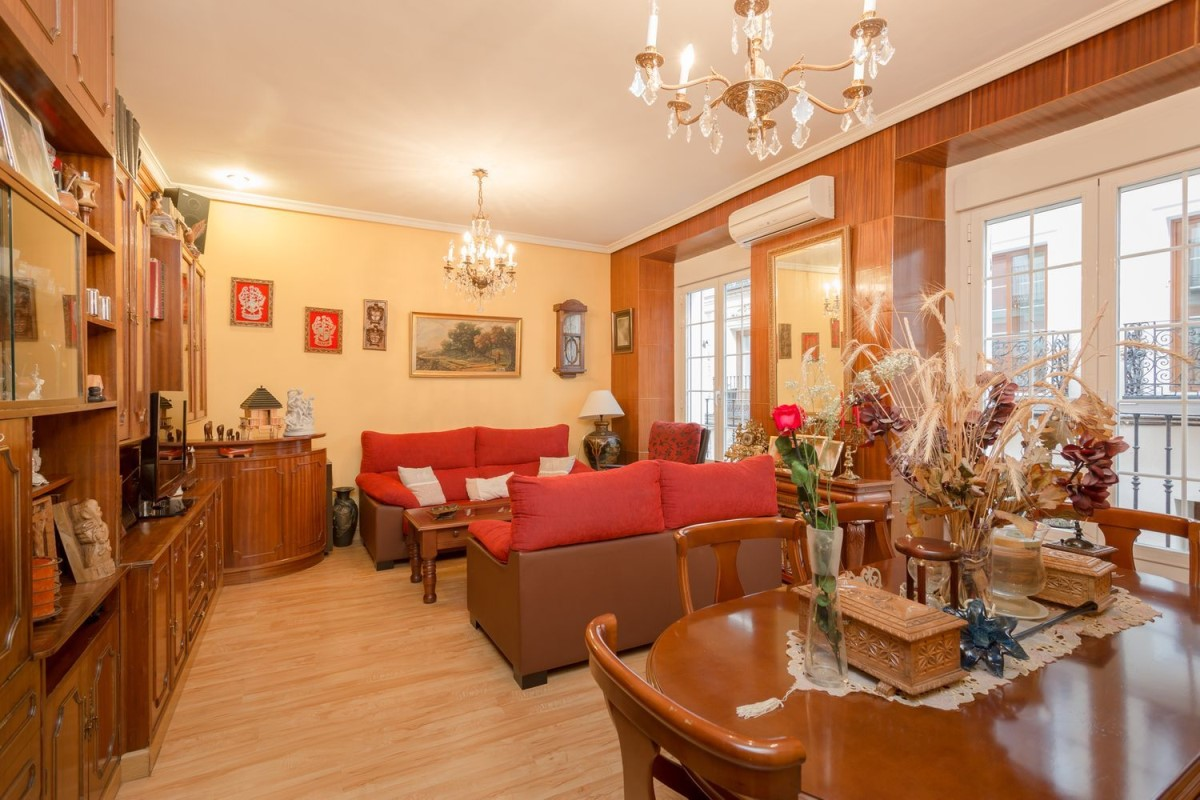 Apartment  For Sale in Centro, Madrid