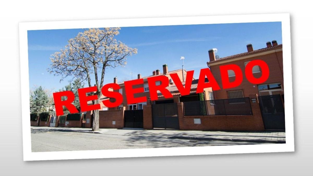 Chalet Adosado En Venta En Villanueva De La Cañada Madrid