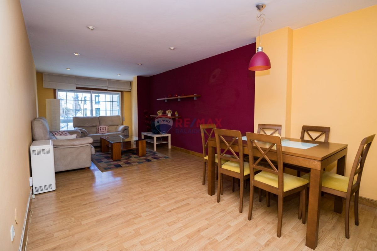 Apartment  For Sale in  Caeira