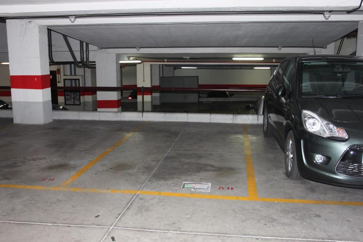 Garaje en Venta en  Telde