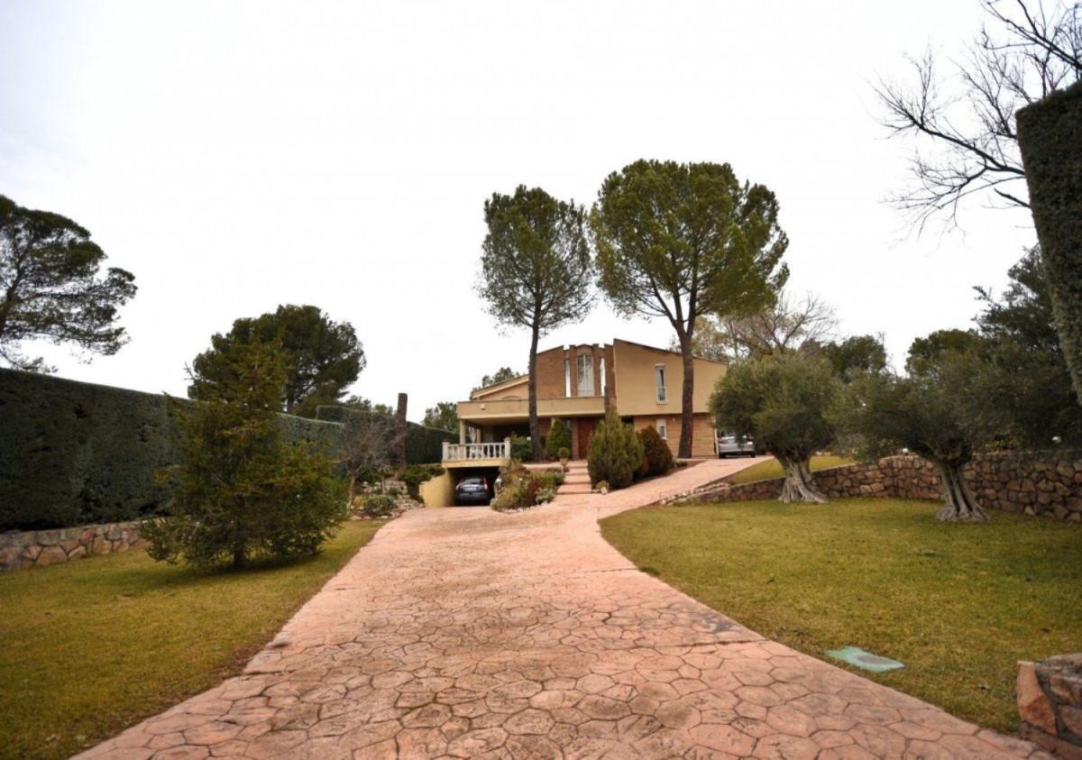 Chalet en Alquiler en  Villalbilla