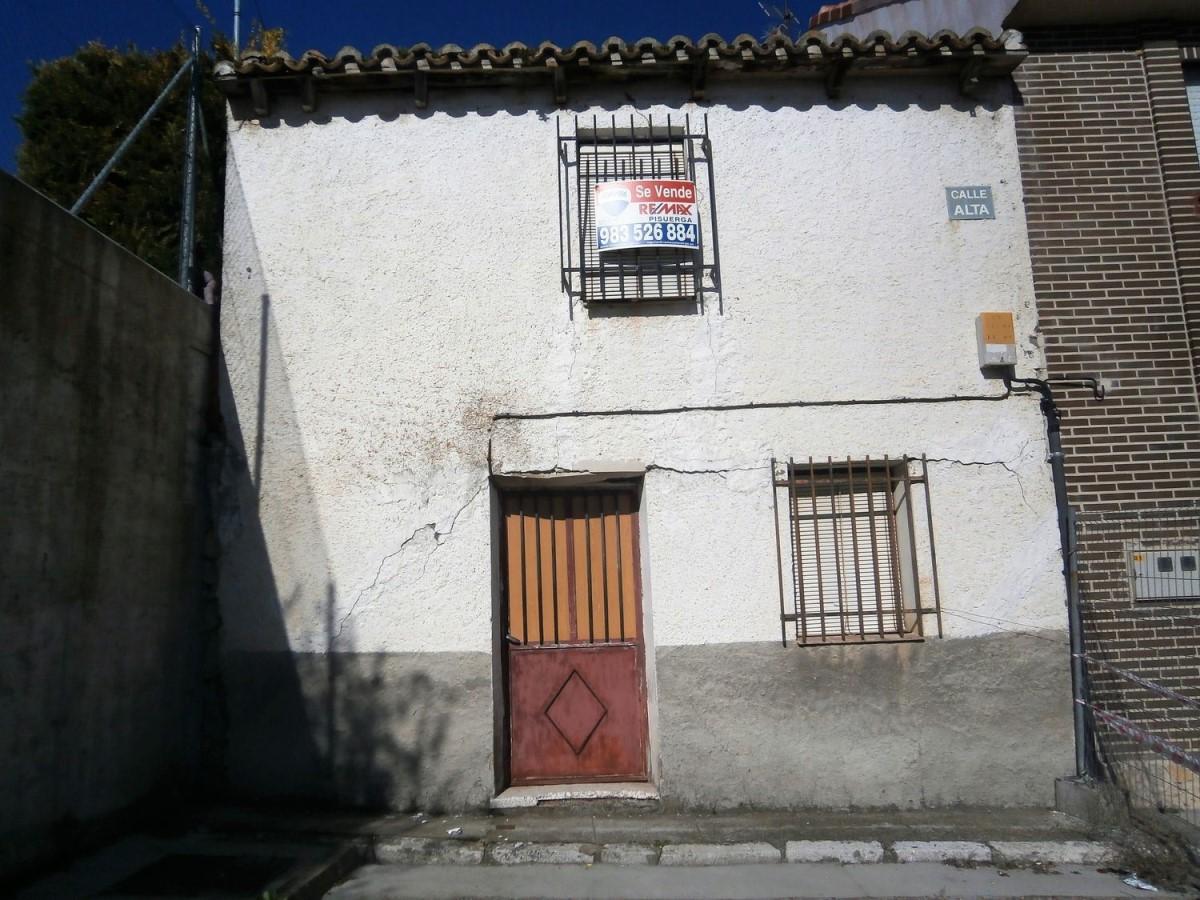 Chalet Adosado en Venta en  Castronuevo de Esgueva