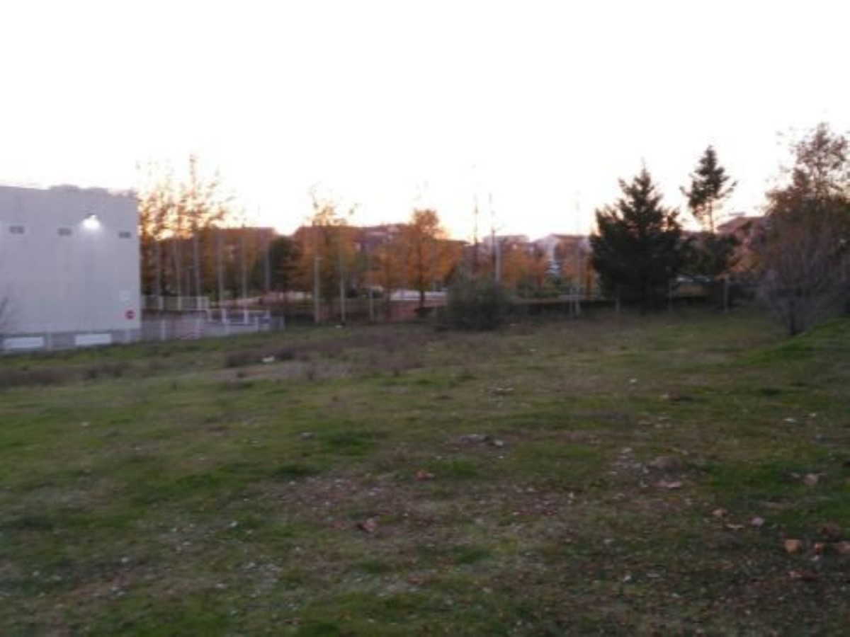 Urban lot  For Sale in  Navalcarnero