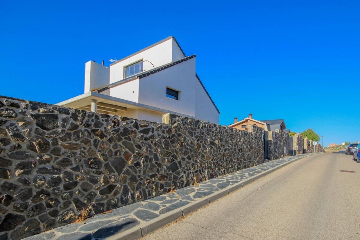 Chalet en Venta en  Campo Real