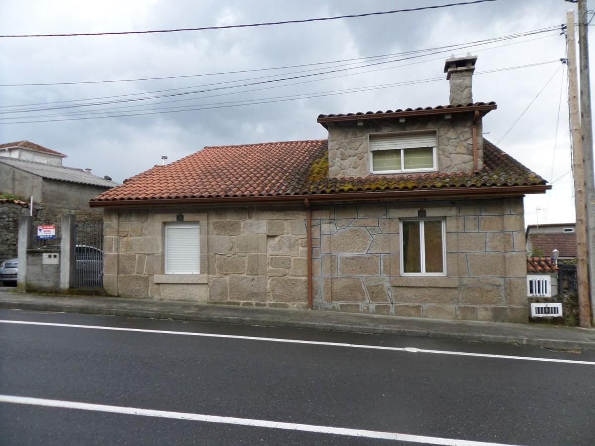 Chalet Adosado en Venta en  Ourense