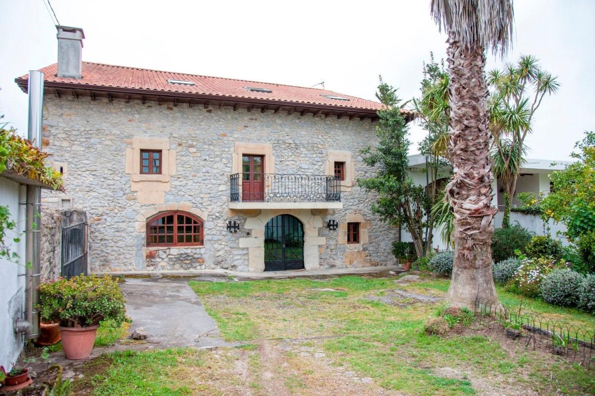 Casa Rural en Venta en  Arnuero