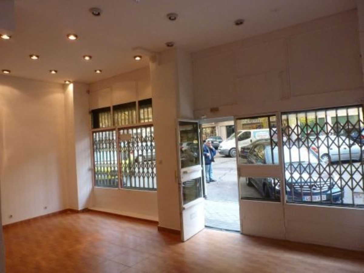 Retail premises  For Sale in Fuencarral, Madrid