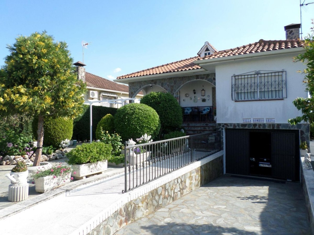 House  For Sale in  Casar de Escalona, El