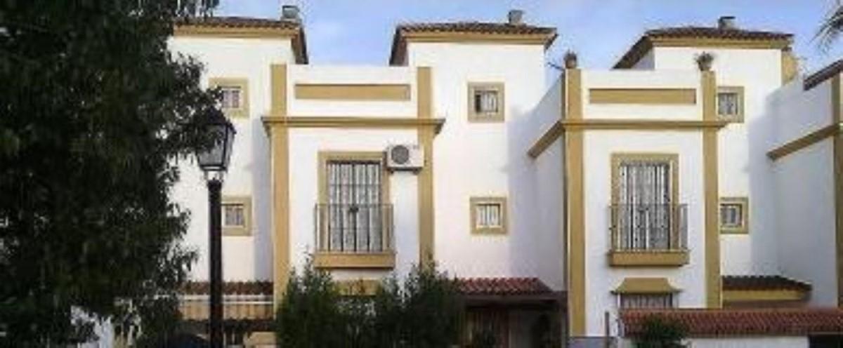 Chalet Adosado en Venta en  Castilleja de Guzmán