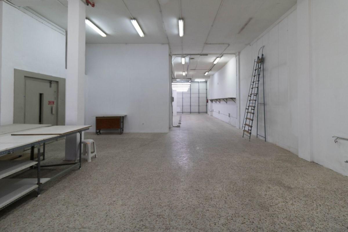 Industrial premises  For Rent in Puente De Vallecas, Madrid