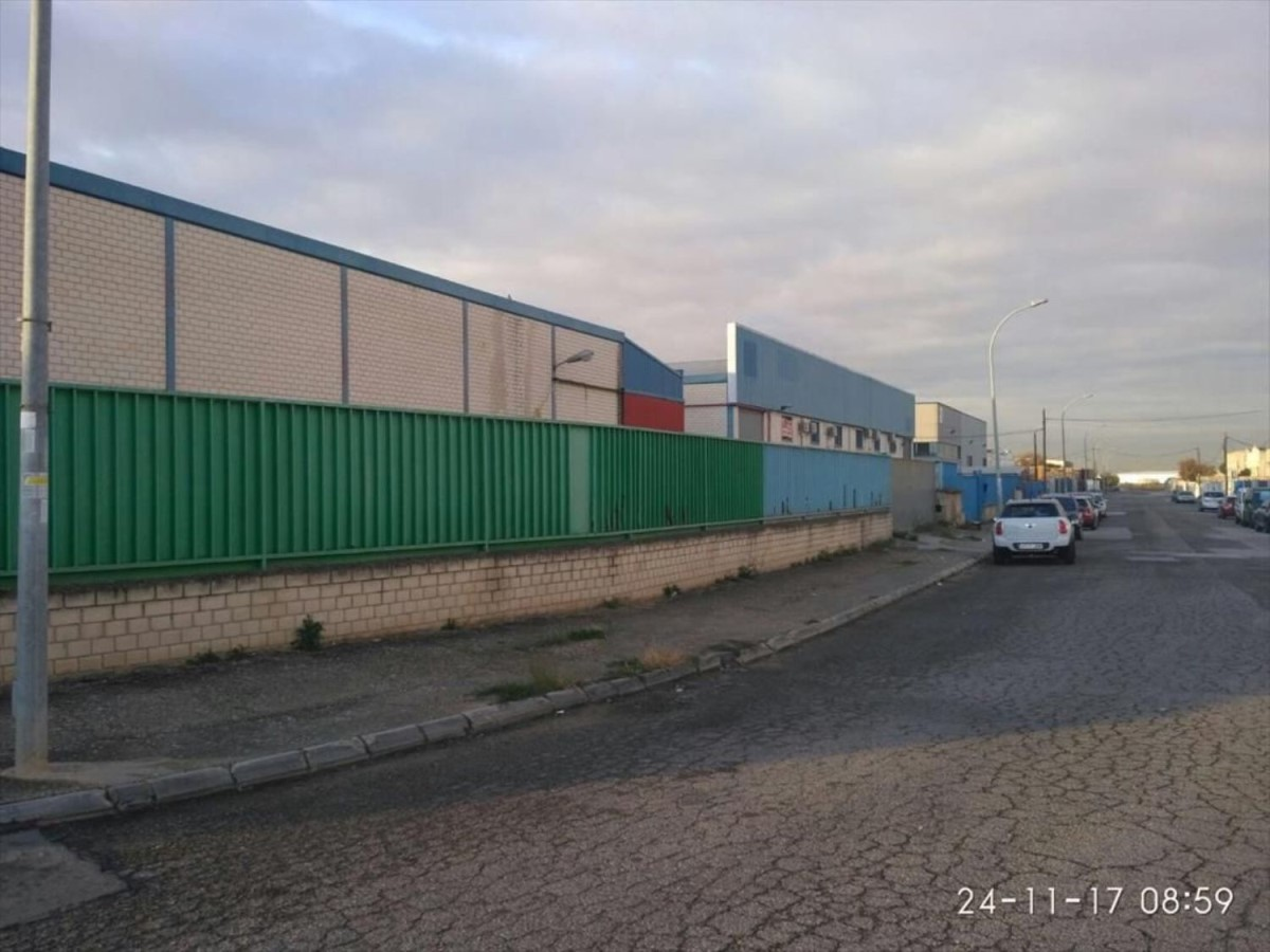 Industrial premises  For Rent in  Alcalá de Henares