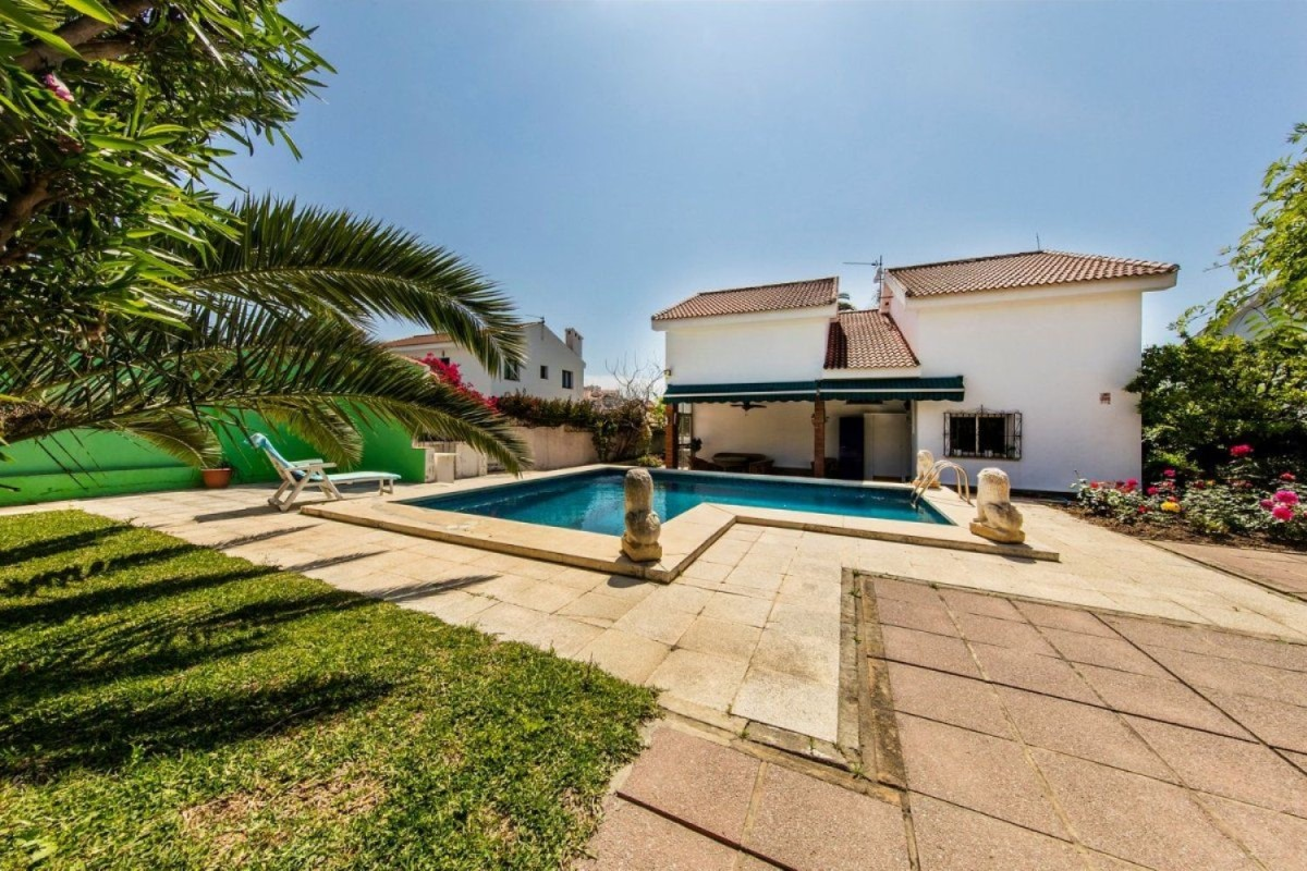 House  For Sale in  Fuengirola