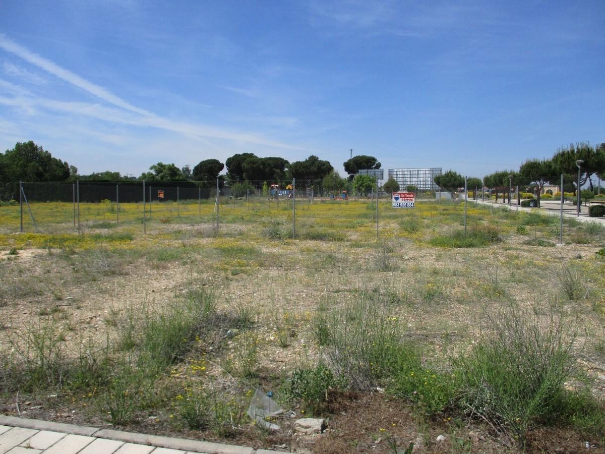 Urban lot  For Sale in  Laguna de Duero