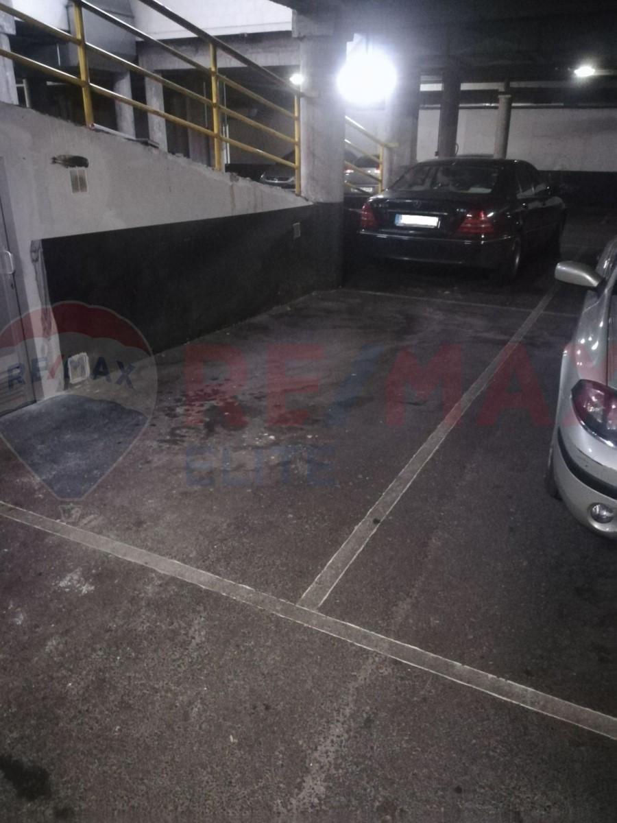 Garaje en Alquiler en El Llano, Gijón
