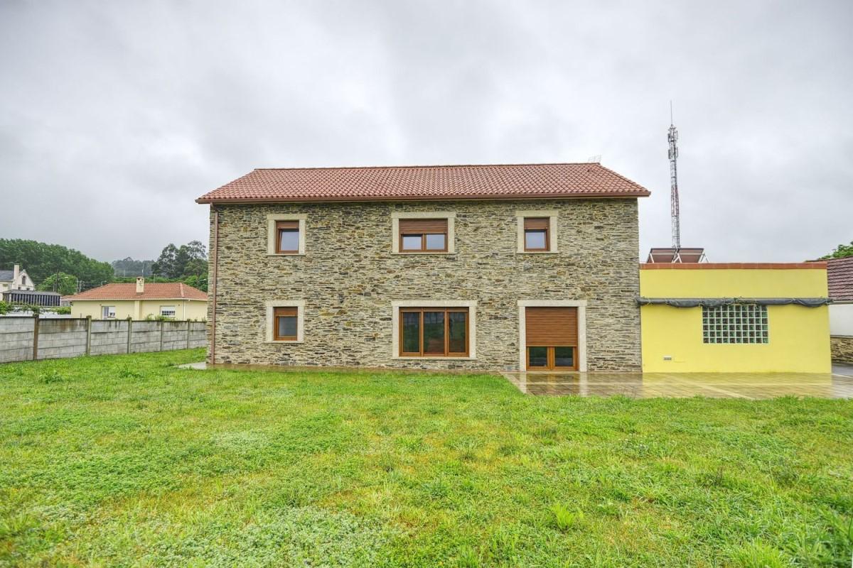 Casa Rural en Venta en  Valdoviño