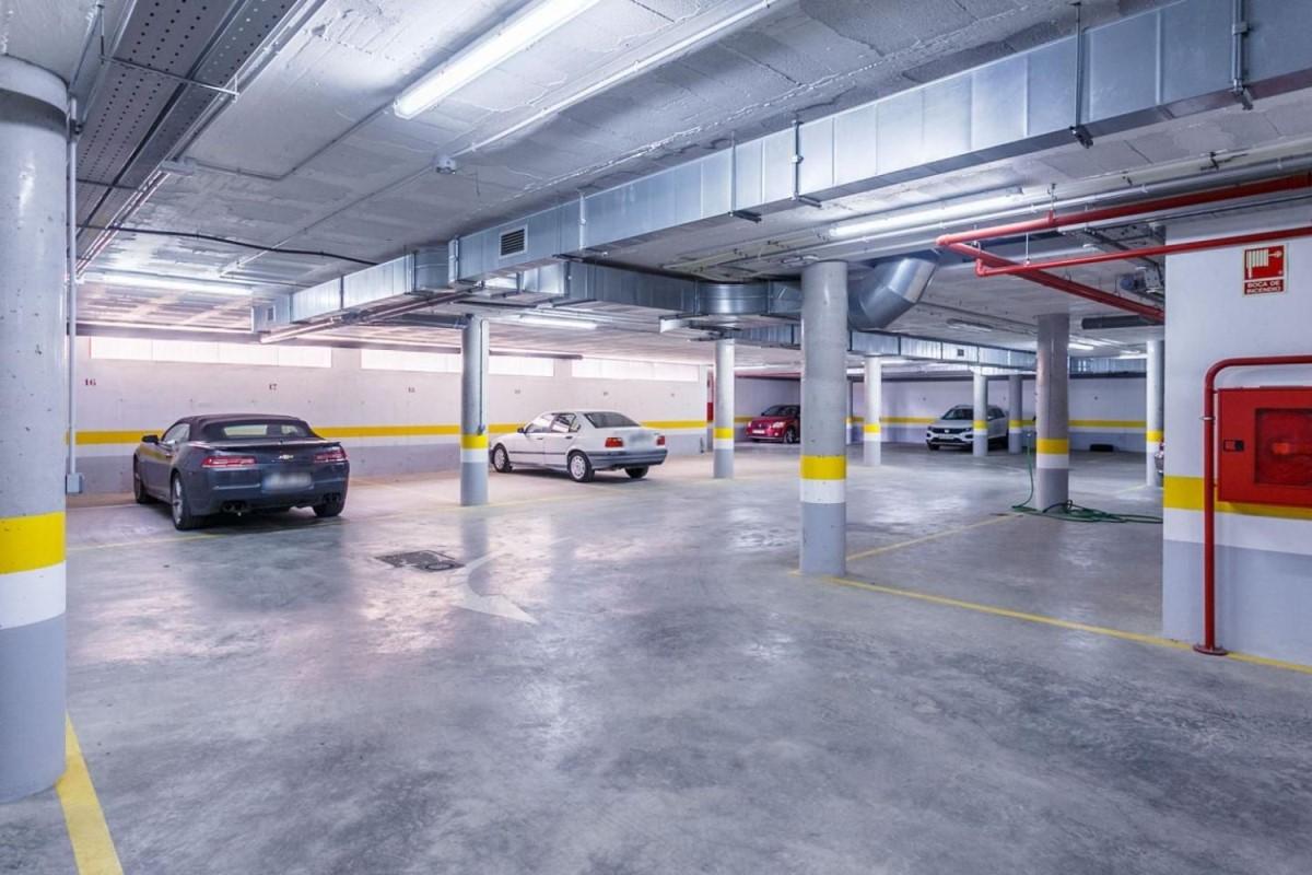 Garaje en Venta en  Bollullos de La Mitación