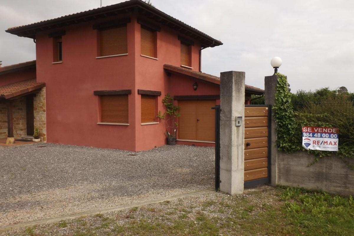 Chalet en Venta en  Villaviciosa