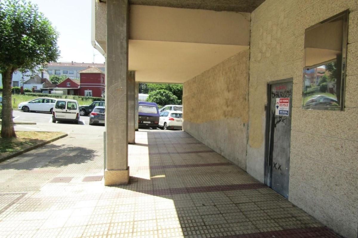 Local Comercial en Venta en  Culleredo