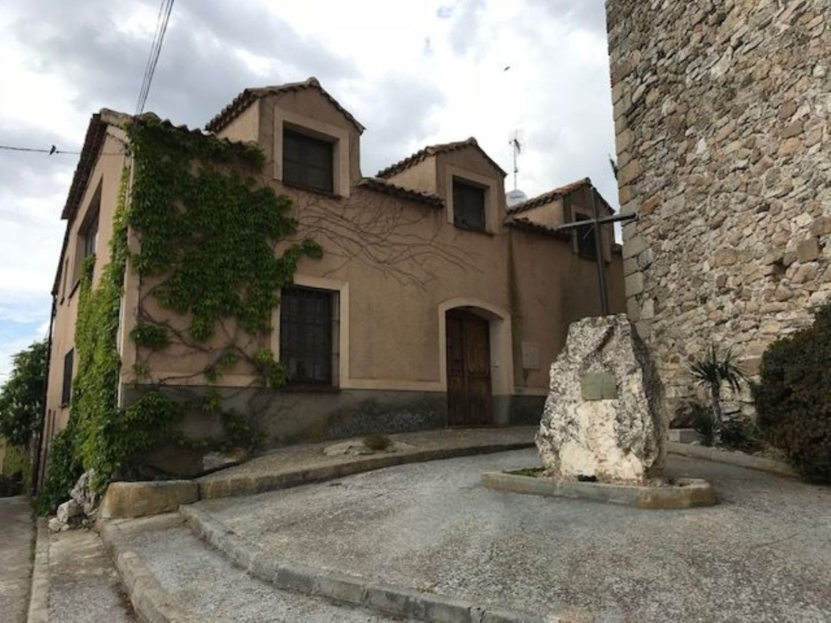 Casa Rural en Venta en  Torreiglesias