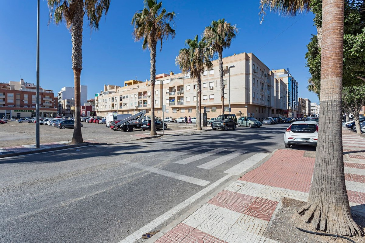 Piso en Venta en Roquetas, Roquetas de Mar