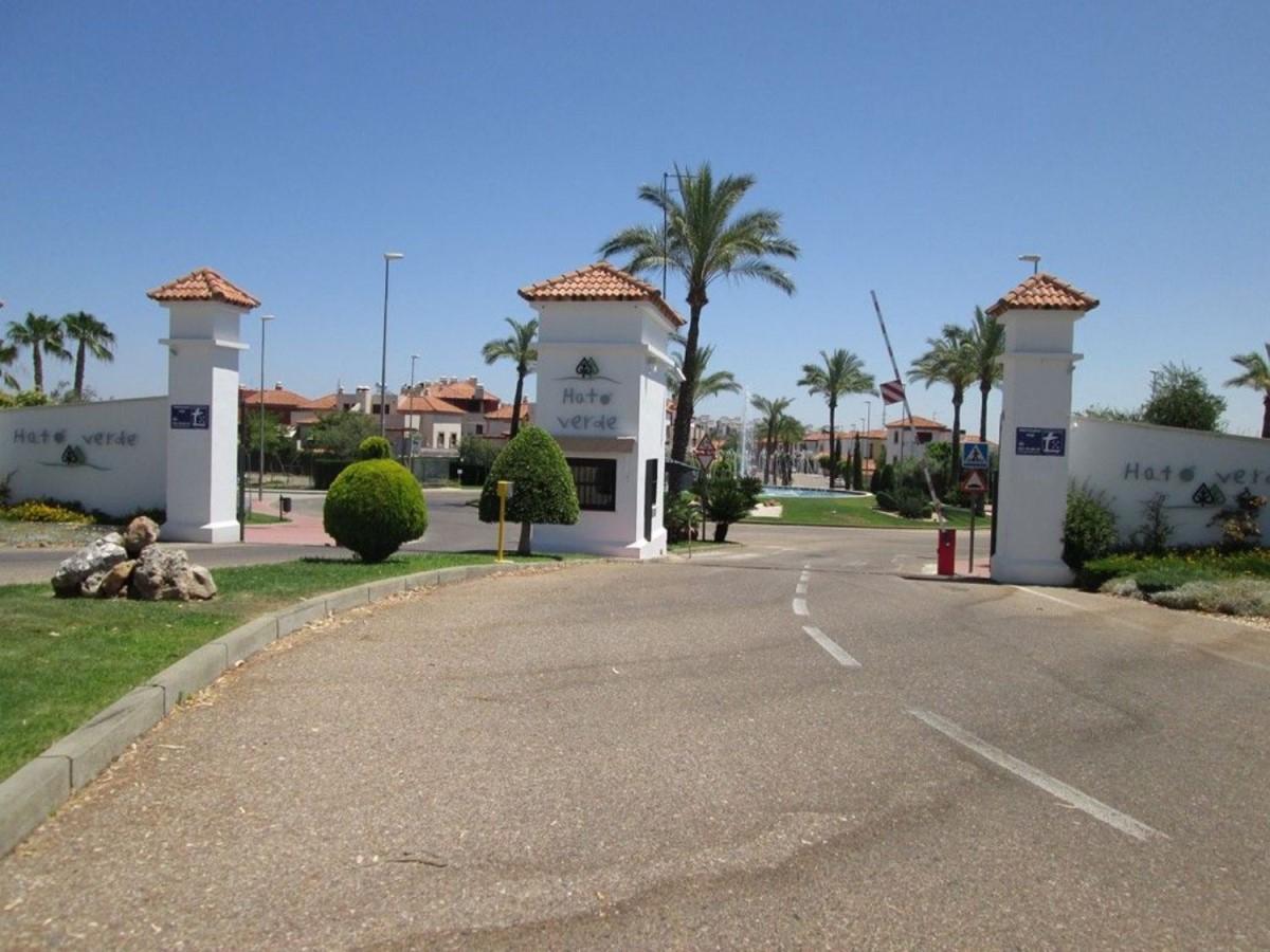 Chalet Adosado en Venta en  Guillena