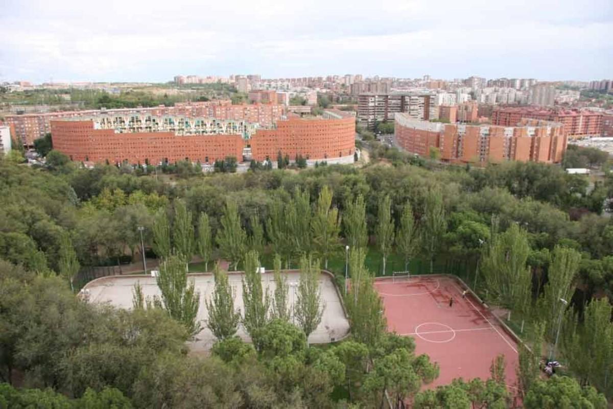 Dúplex en Venta en Moratalaz, Madrid