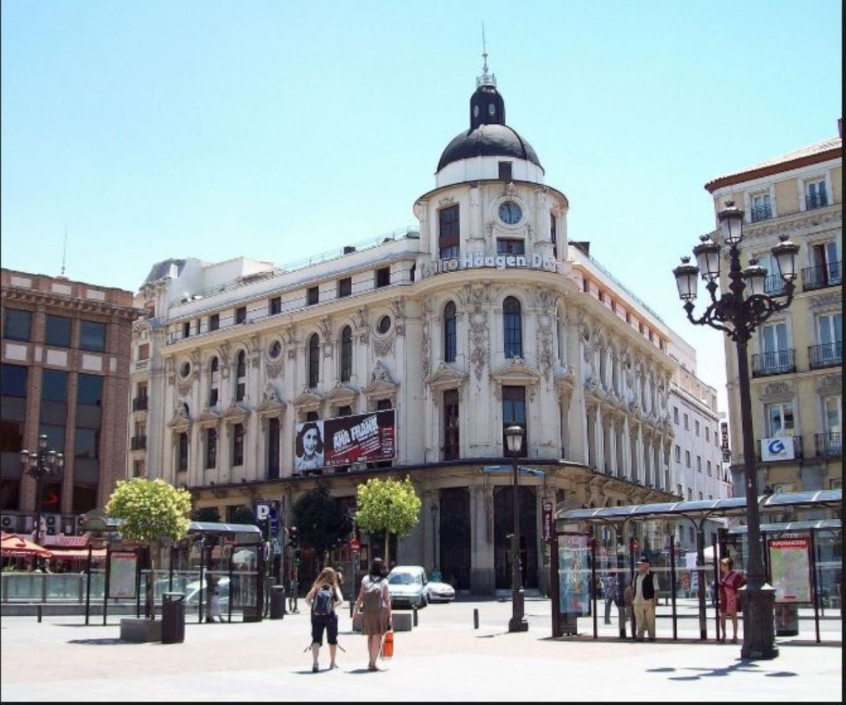 Office  For Sale in Centro, Madrid