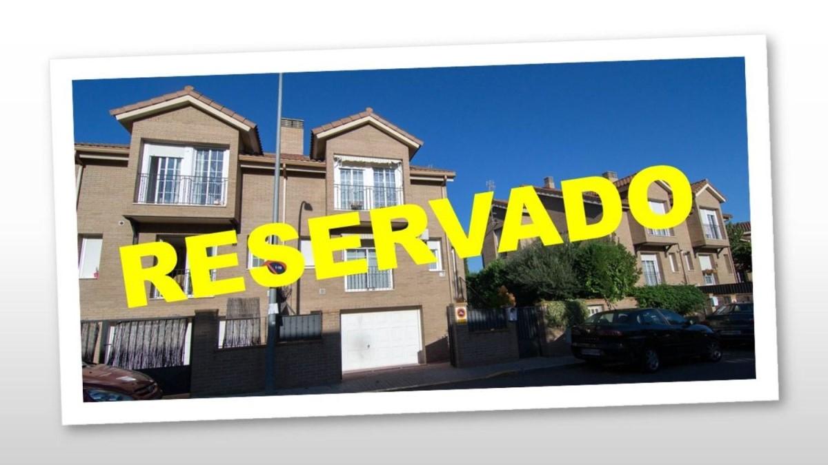 Chalet adossé   à vendre à  Villanueva de la Cañada