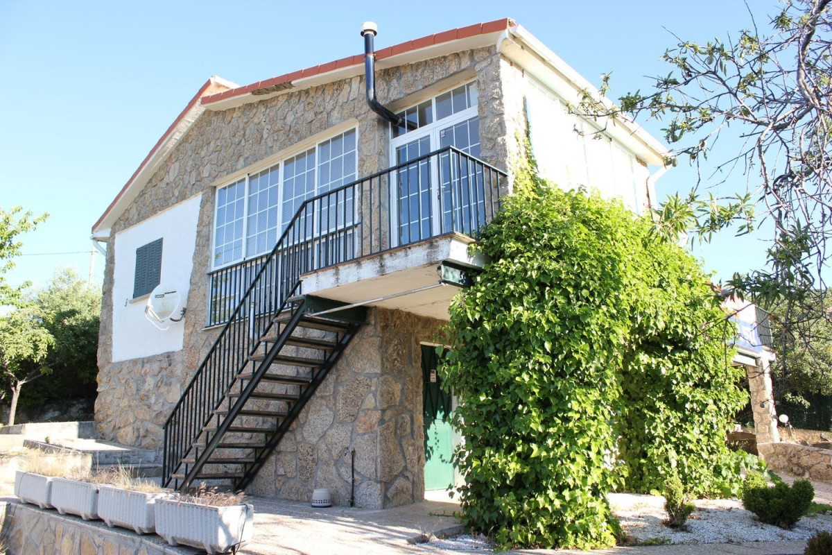 House  For Sale in  Santa María de la Alameda