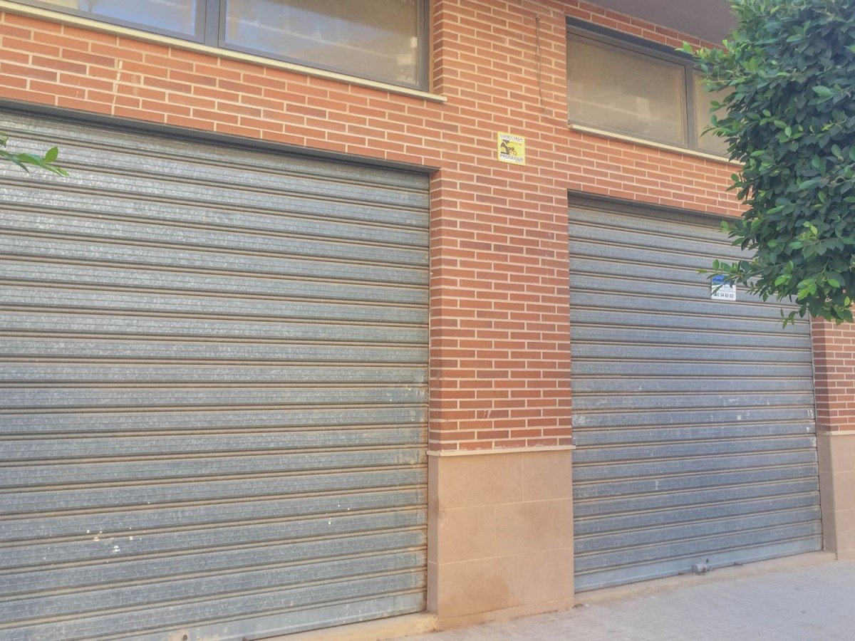 Local Comercial en Venta en  Pobla de Vallbona, La