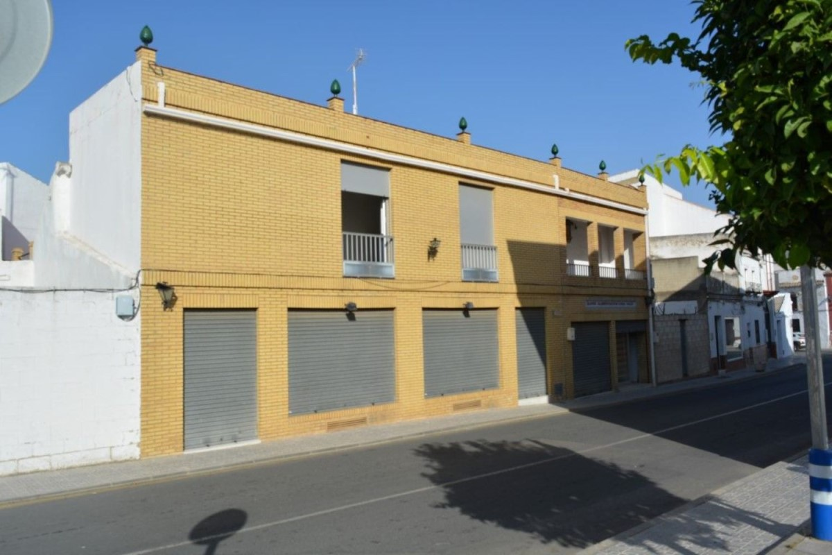 Local Comercial en Venta en  Villanueva del Ariscal