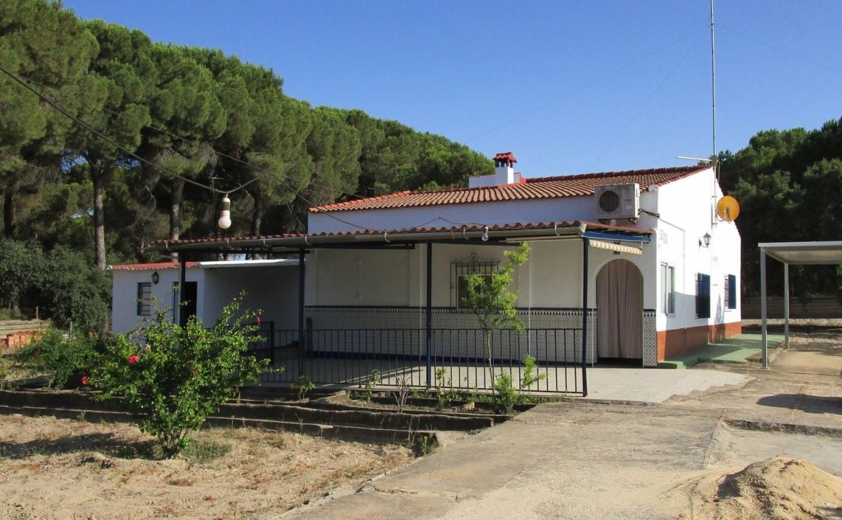 Chalet en Venta en  Bonares