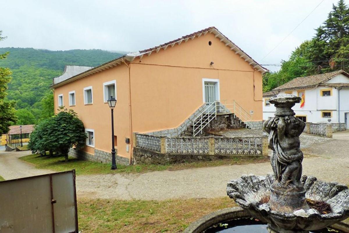 Casa Rural en Venta en  Peñacaballera
