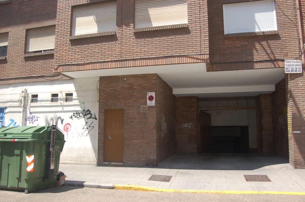 Garaje en Venta en  León
