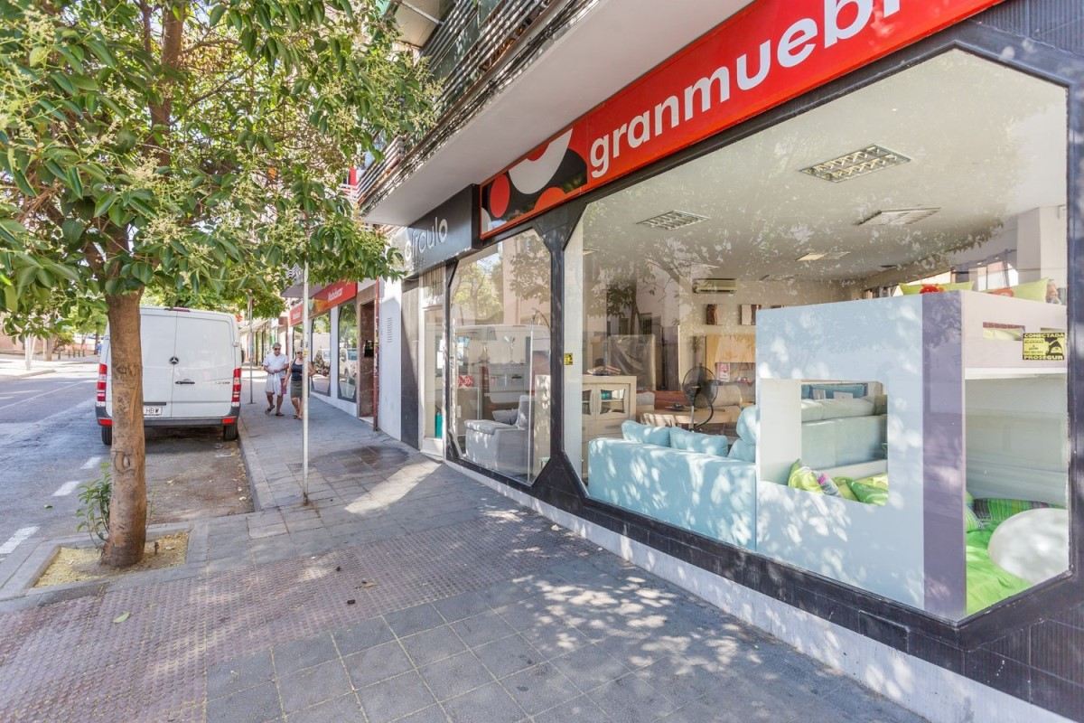 Local Comercial en Alquiler en Puente De Vallecas, Madrid
