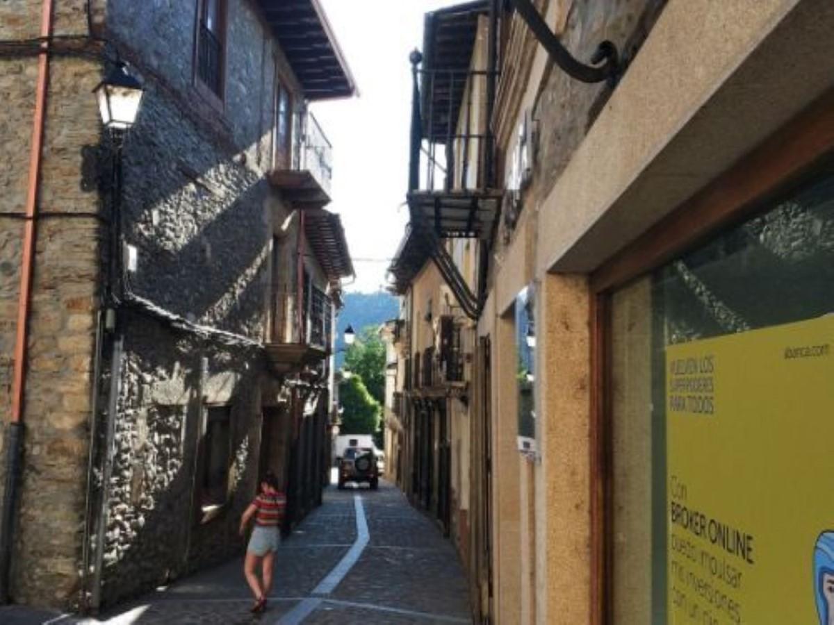 Edificio de Viviendas en Venta en  Villafranca del Bierzo