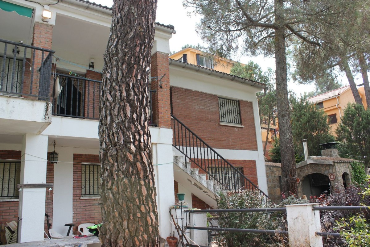 House  For Sale in  Santa María de la Alameda