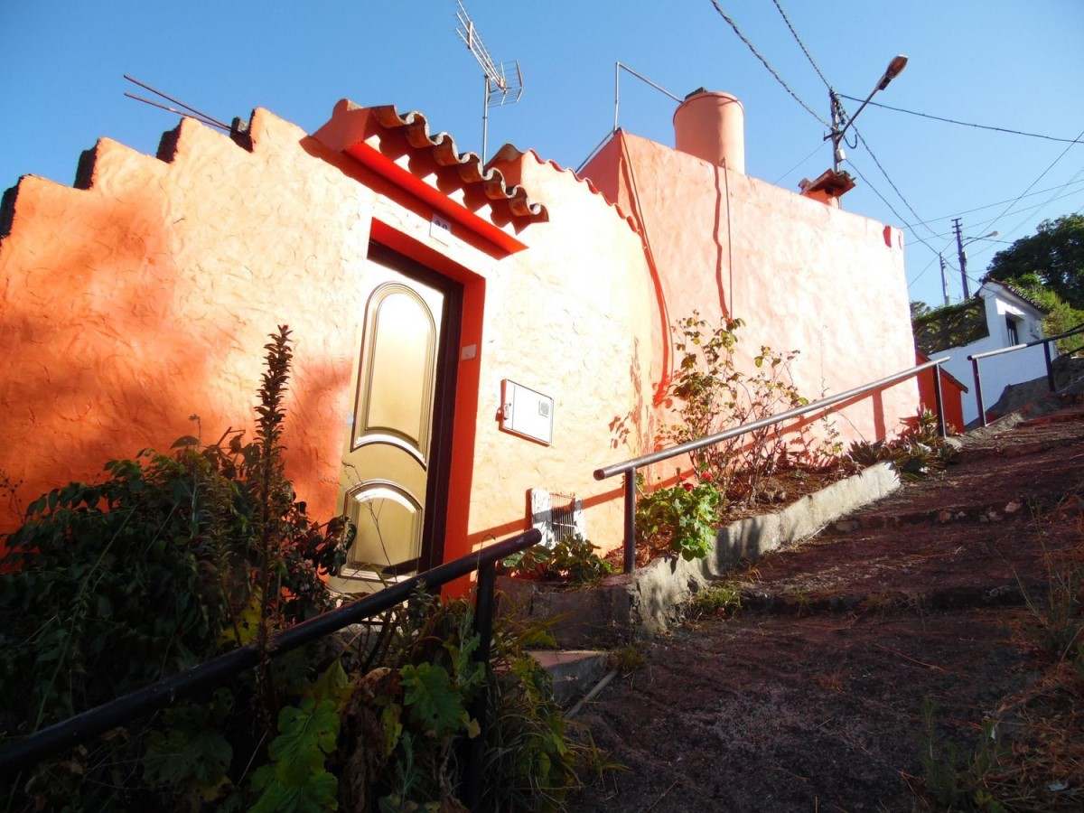 House of Character  For Sale in  Valleseco