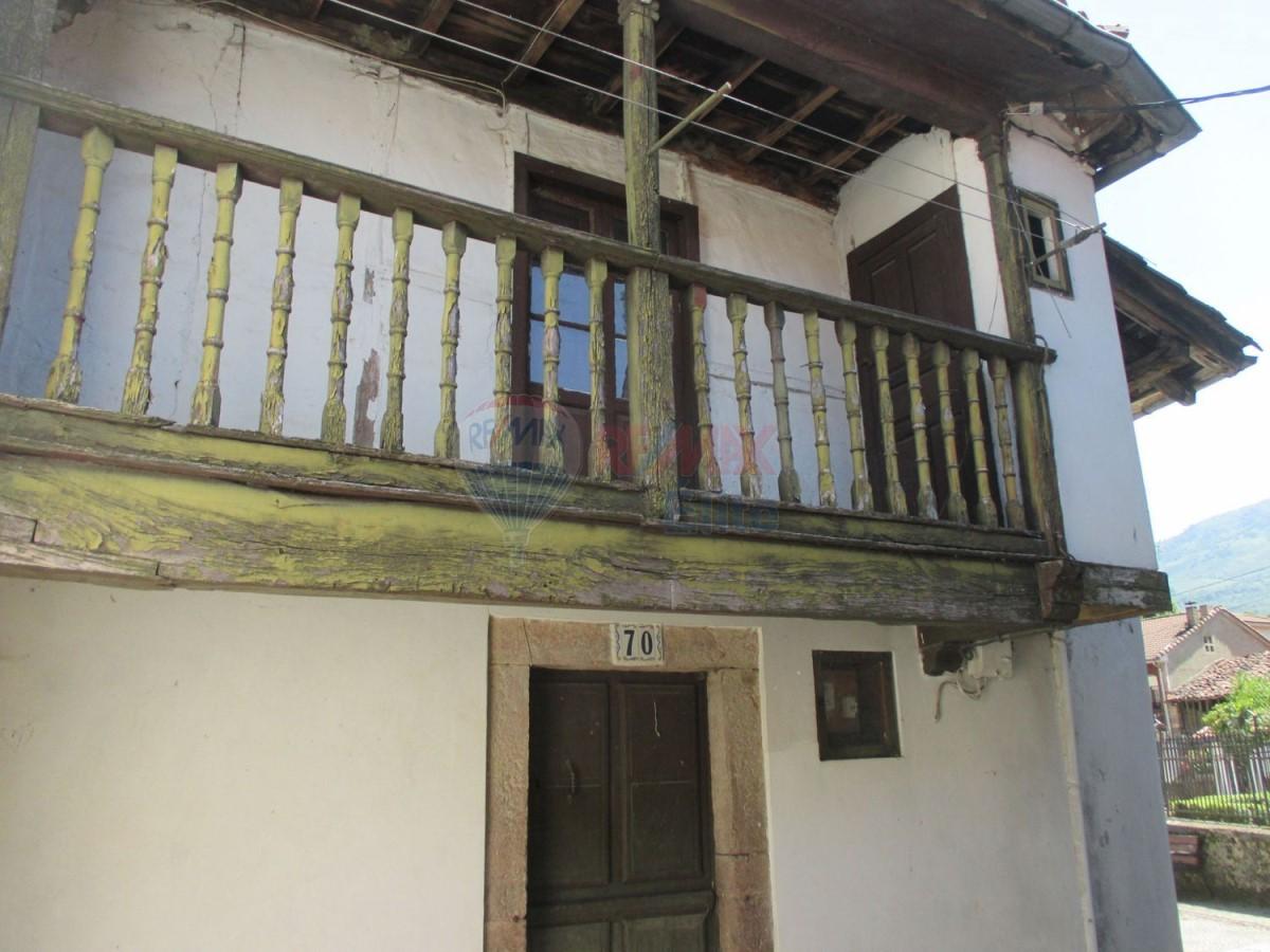 Casa Rural en Venta en  sobrescobio