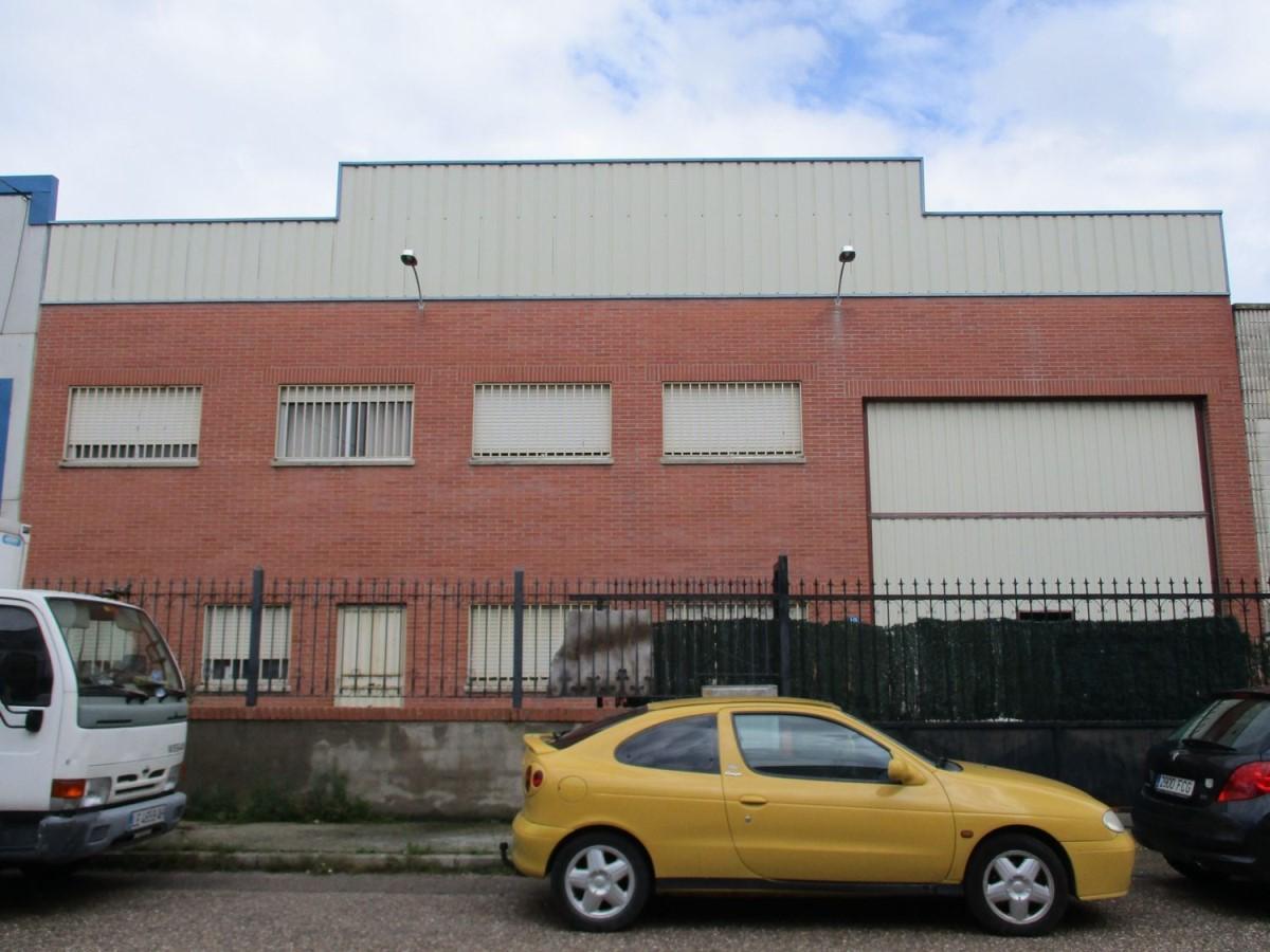 Nave Industrial en Venta en  Santovenia de Pisuerga